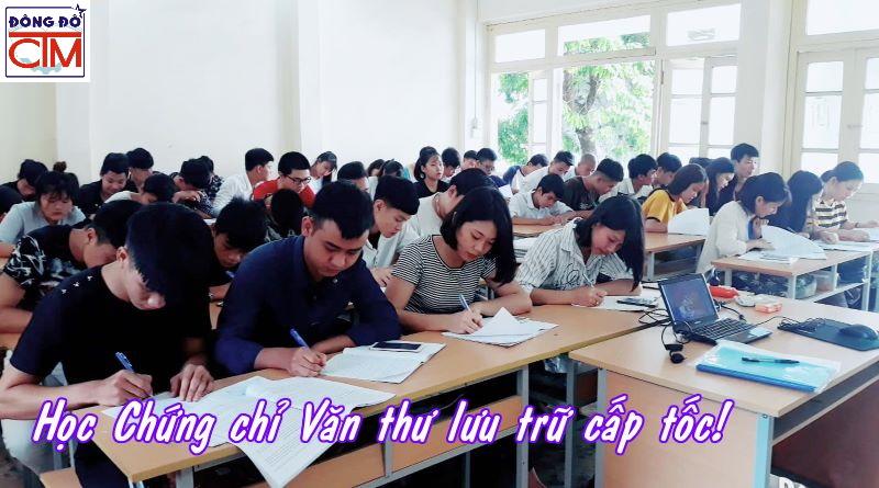 lớp nghiệp vụ văn thư lưu trữ tại trường trung cấp Đông Đô